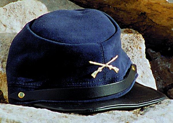 Cap CP-2402 leather