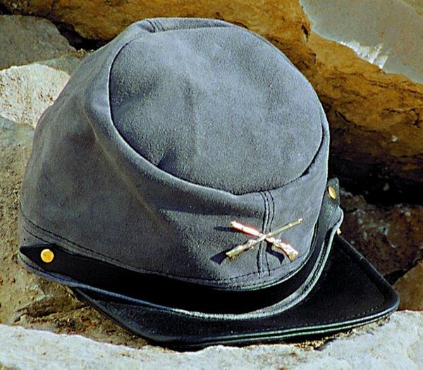 Cap CP-2403 leather